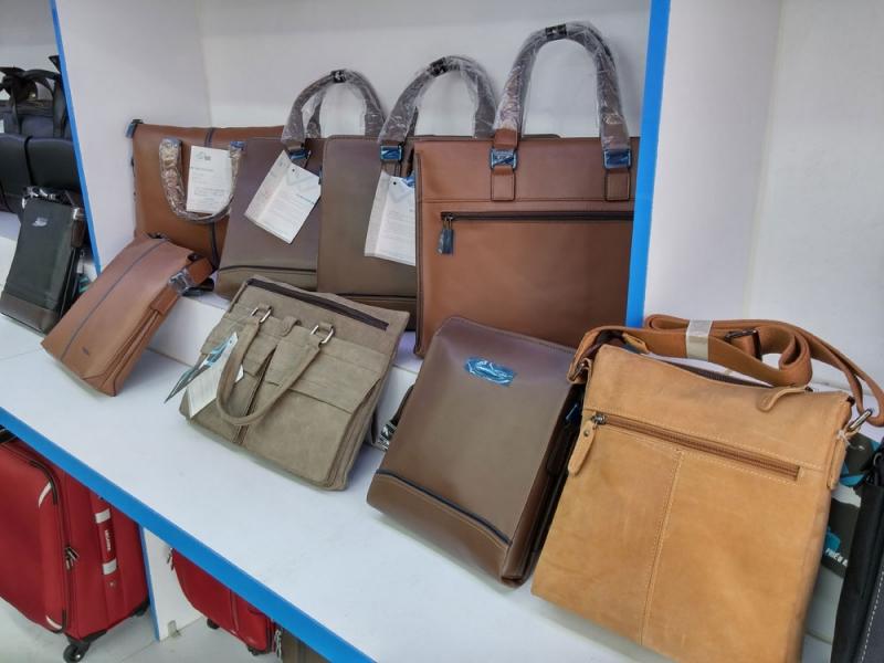 Các mẫu túi xách tại KOS Shop