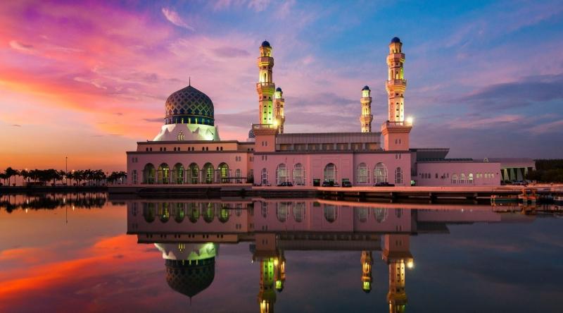 Nhà thờ Hồi giáo Omar Ali Saifuddin lộng lẫy, uy nghiêm