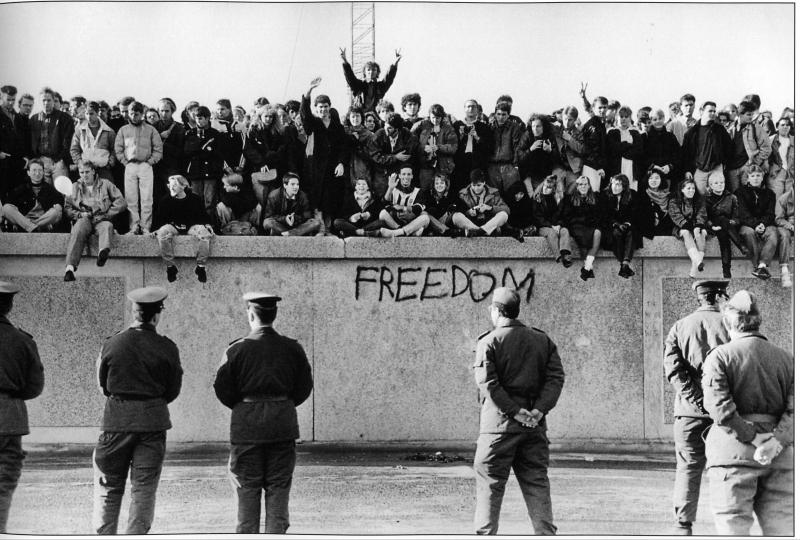 Kỷ niệm 30 năm bức tường Berlin sụp đổ