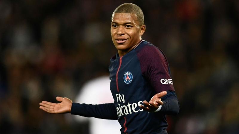 Mbappe tỏa sáng trong màu áo đội tuyển Pháp