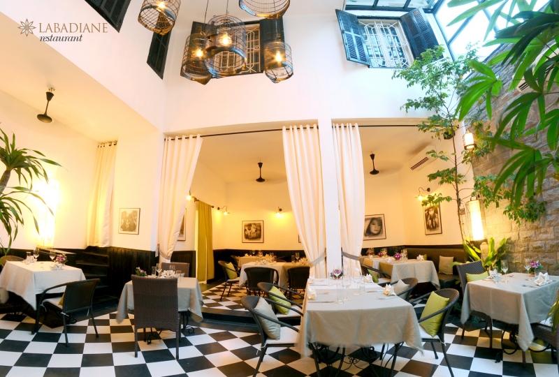Không gian sang trọng, lãng mạn của nhà hàng