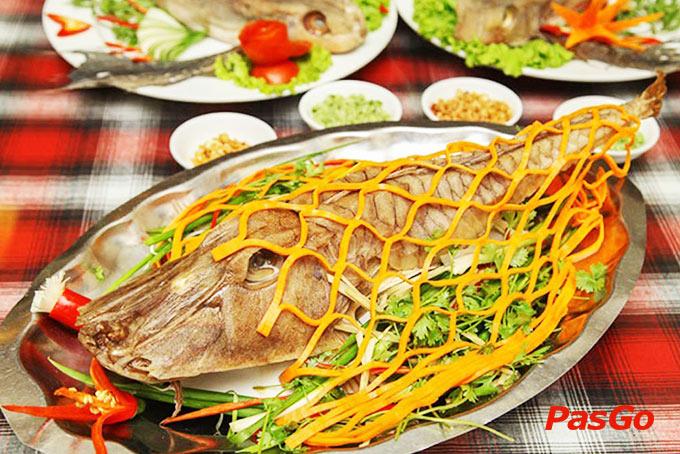 Món ăn tại La Cà Quán