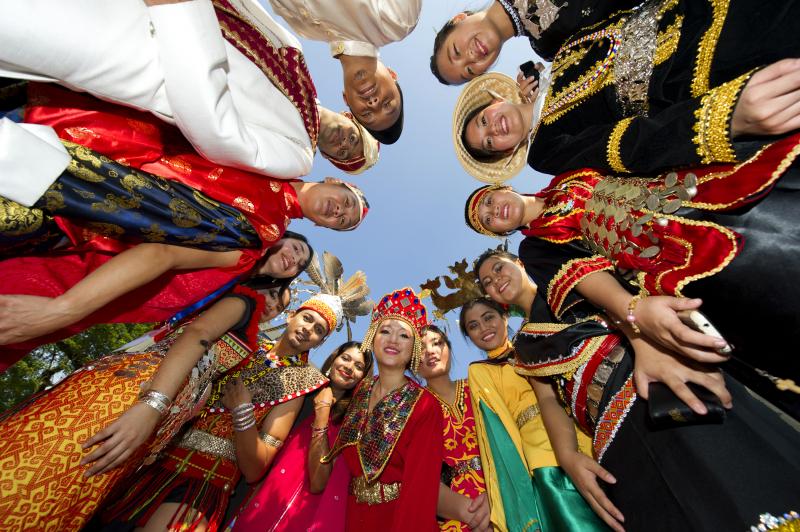 Là một nước đa văn hóa nhất trên thế giới