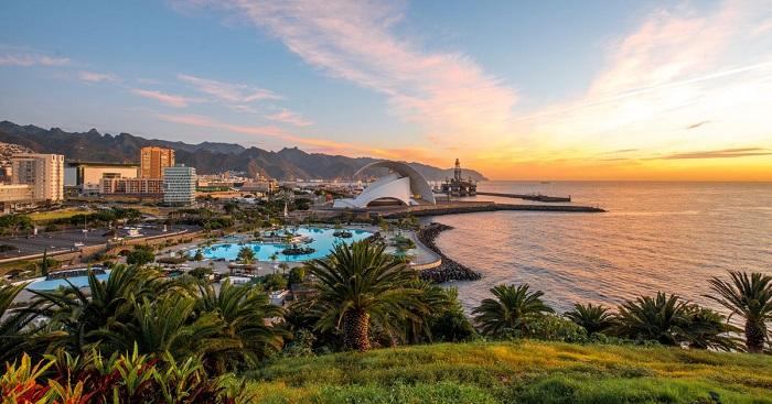 Một khu nghỉ dưỡng trên bờ biển đảo La Palma