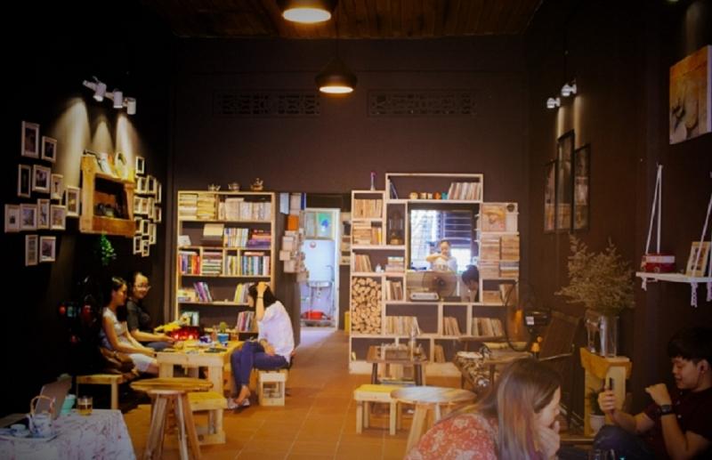 La Pensée Café & Librairie