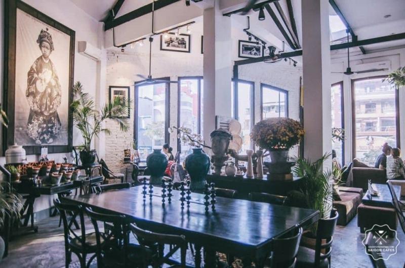 La Rotonde Cafe
