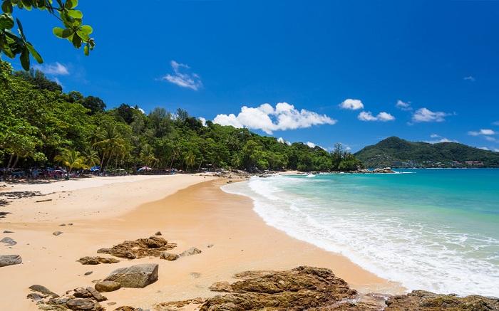 Bãi biển Laem Singh, Phuket