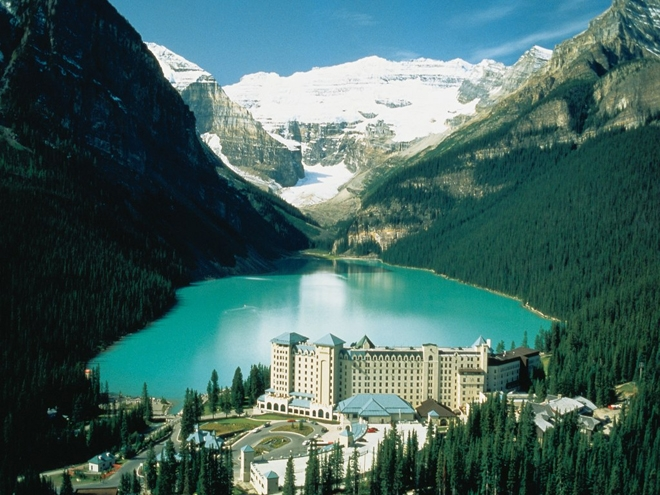 Lakeview Lounge, The Fairmont Chateau Lake Louise, Canada
