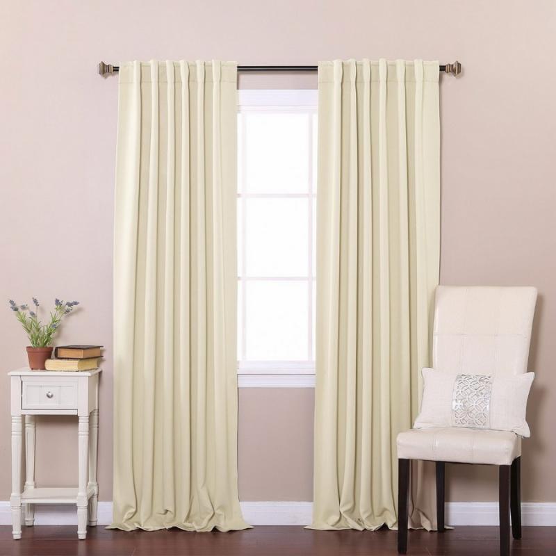 Chọn rèm cửa sáng màu để ngăn ánh sáng vào phòng