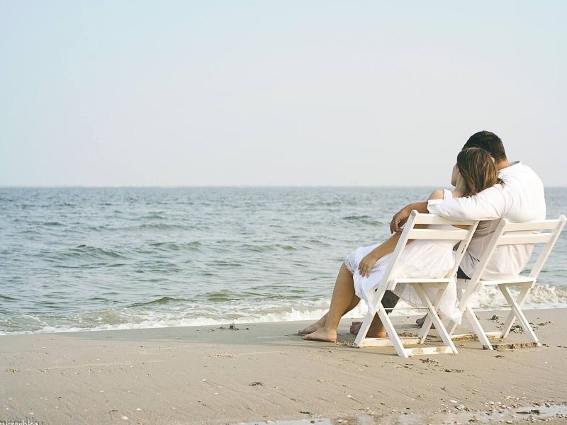Cùng ngắm biển, cùng ngâm một bài thơ tình mới viết, an nhiên đến lạ lùng!