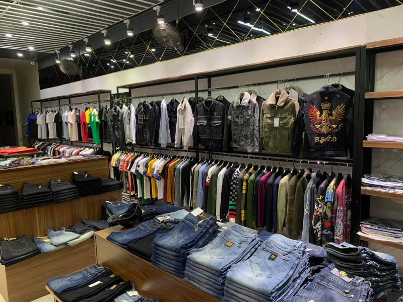 Lâm Nhung shop sở hữu không giang đẹp và bài trí thông minh, tiện lợi cho khách hàng