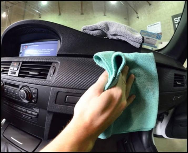 Làm sạch xe hơi