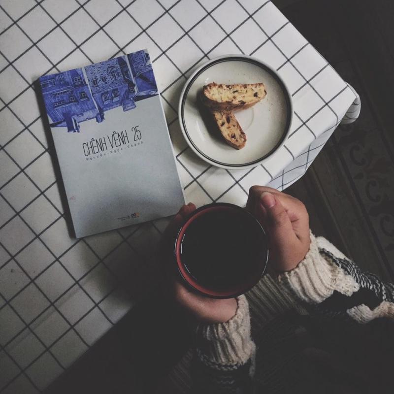 Trà, nhạc và sách là một tổ hợp không tệ cho một buổi tối thú vị (Nguồn: Sưu tầm)
