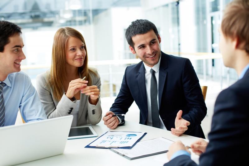 Để có thể tồn tại trong môi trường công ty, bạn cần rèn luyện cho mình kỹ năng làm việc nhóm.
