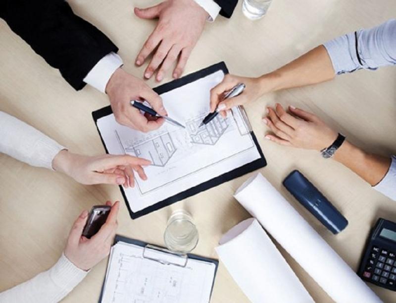 Làm việc theo nhóm và tập thể