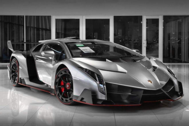 Lamborghini Veneno: 4,5 triệu USD (khoảng 102 tỷ đồng)