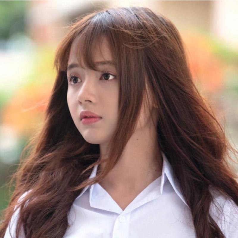 Cô tham gia diễn xuất trong phim học đường