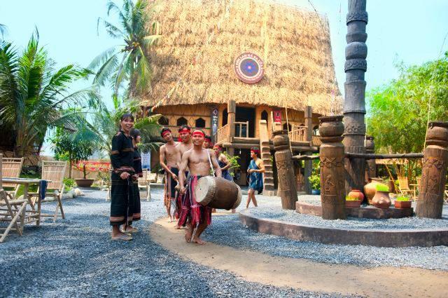 Không gian tại làng văn hoá ẩm thực Tây nguyên