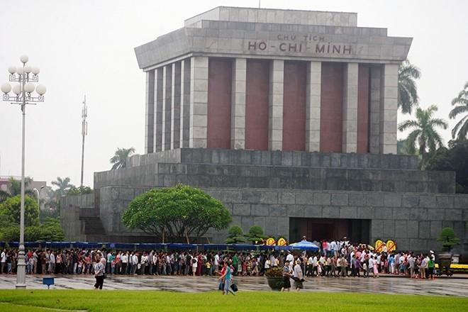 Lăng Bác - địa điểm vui chơi 30/4 tại Hà Nội tuyệt vời nhất