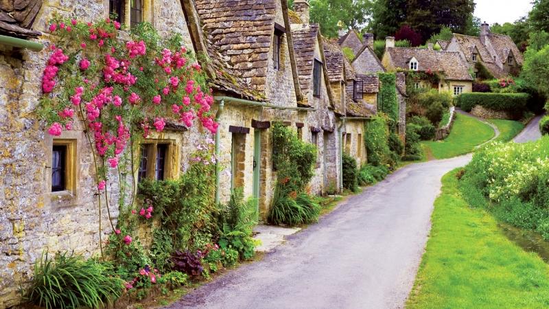 Quang cảnh thanh bình của ngôi làng Bibury như một bức tranh