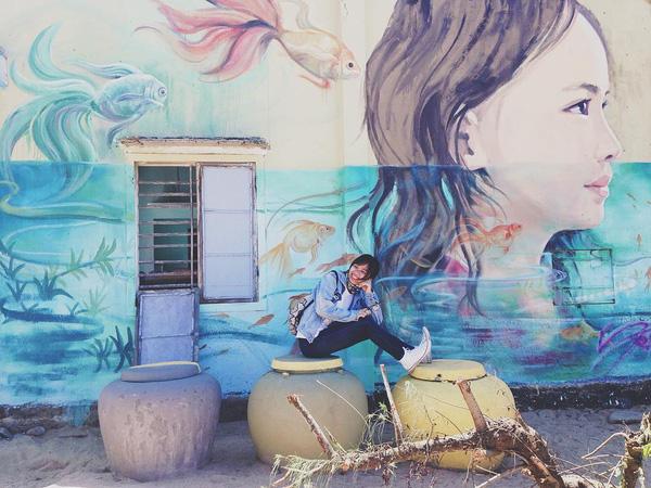Làng bích họa Tam Thanh Hội An là nơi sống ảo tuyệt vời cho những bạn trẻ yêu hộ họa