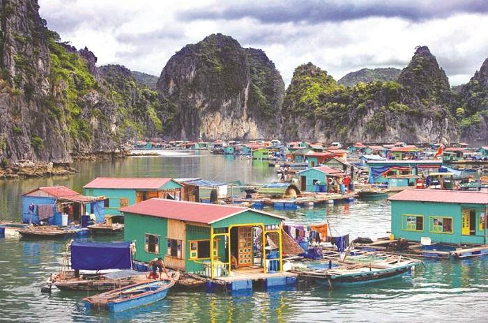 Vung Viêng là một điểm đến lý tưởngmột nơi yên bình, thư giãn với đôi chút không gian riêng tư để thoát khỏi sự xô bồ, náo nhiệt nơi thành thị.