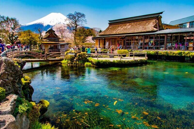 Làng cổ Oshino Hakkai (Nhẫn Dã Bát Hải)
