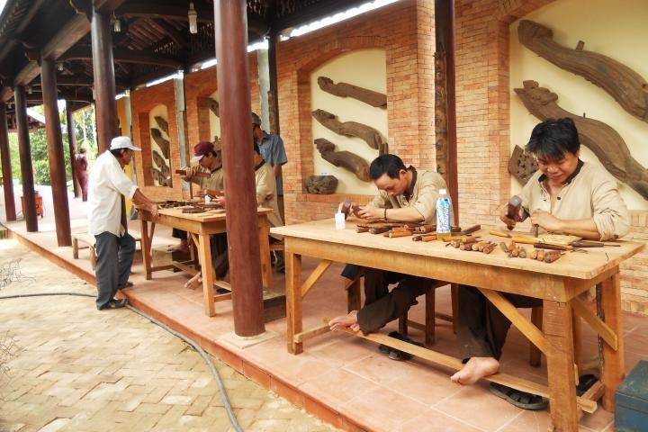 Sản phẩm điêu khắc gỗ của Kim Bồng