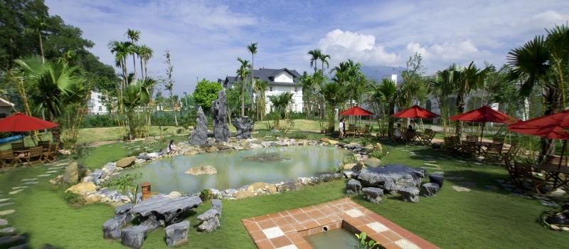 Làng du lịch tre Việt