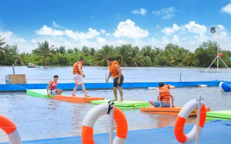 Làng du lịch Tre Việt với các trò chơi vận động cho bạn thỏa sức check in