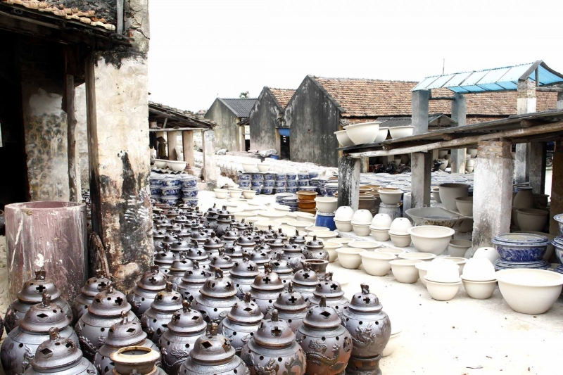 Khung cảnh làng gốm Bát Tràng xưa