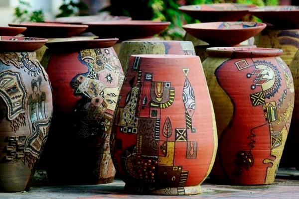 Sản phẩm gốm tại làng gốm Phù Lãng
