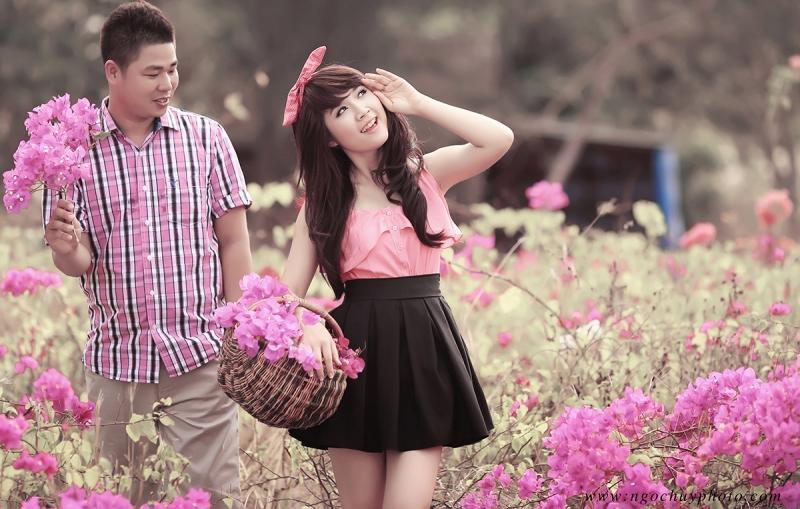 Chụp ảnh cưới tại làng hoa Mê Linh