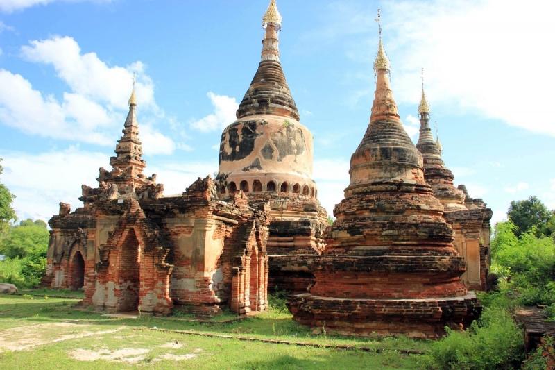 Tu viện Bagaya Kyaung của làng Inhwa