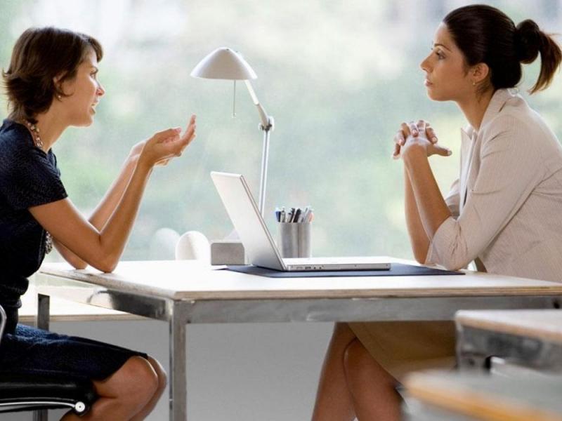 Biết lắng nghe giúp bạn có dễ dàng được kinh nghiệm của người khác