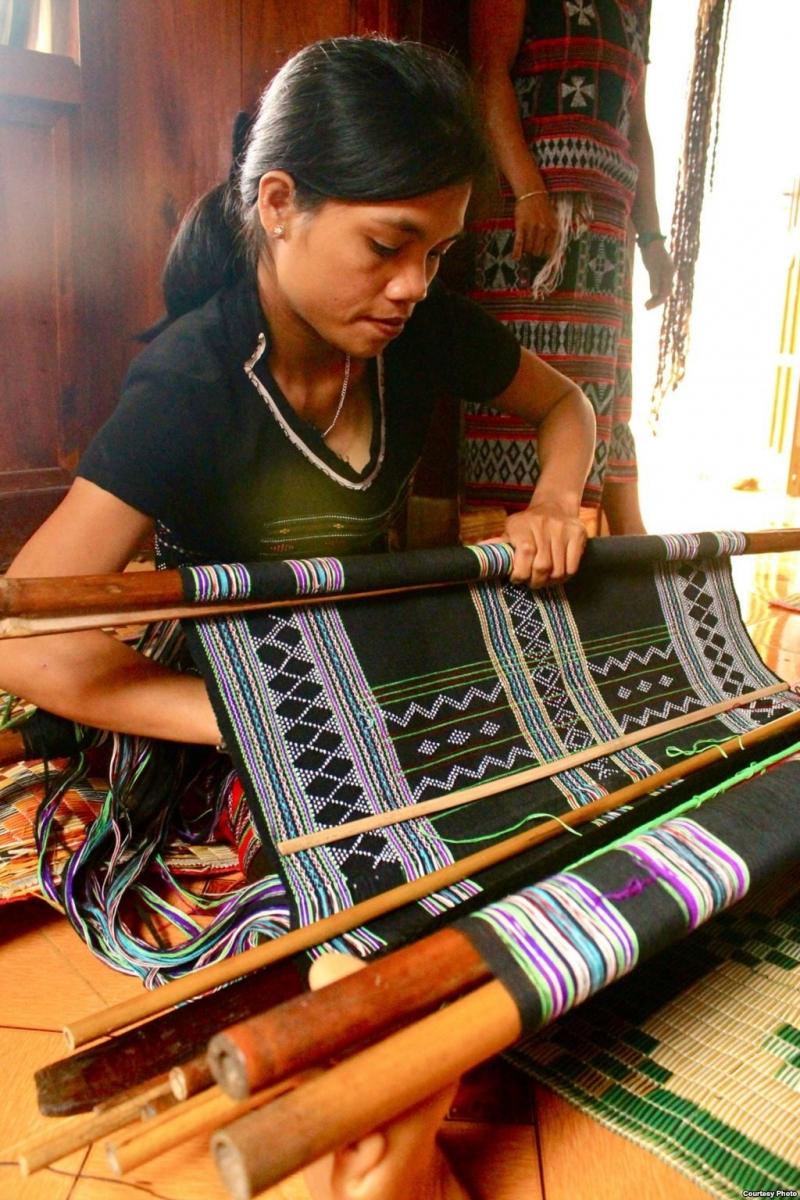 Làng nghề dệt thổ cẩm Zara