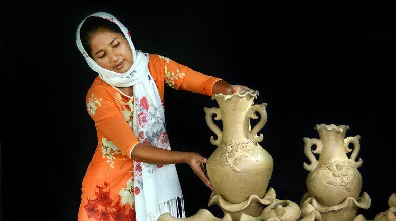 Làng nghề cổ truyền gốm Bàu Trúc