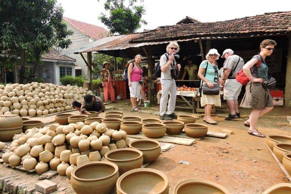 Làng nghề gốm Thanh Hà