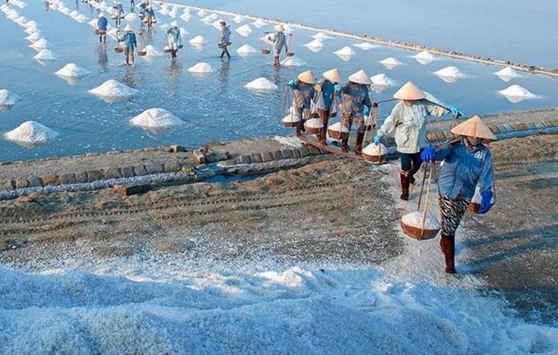 Nét đẹp của Làng nghề làm muối Tuyết Diêm