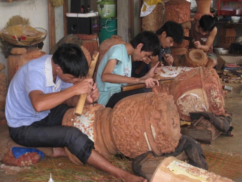 Làng nghề mộc Kim Bồng