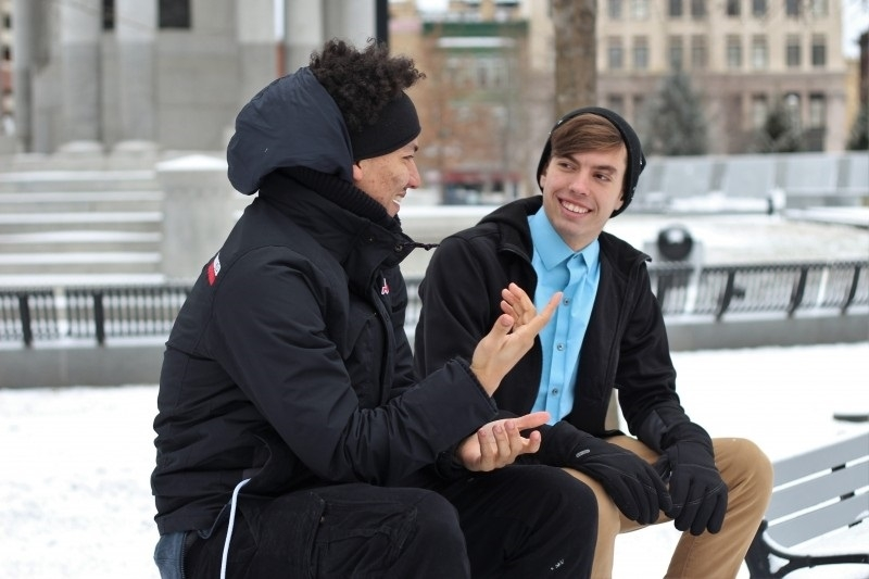 Người hướng nội lắng nghe nhiều hơn nói