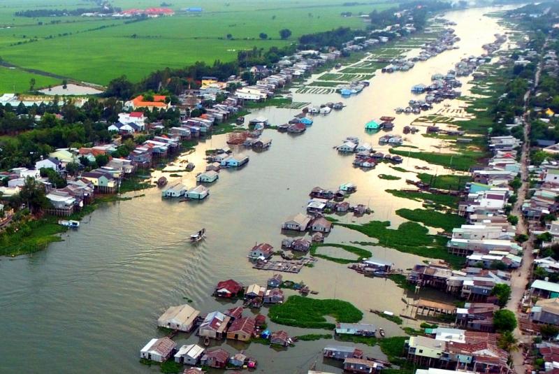 Chau Doc floating village