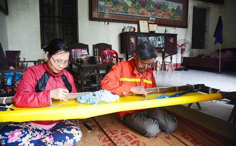 Ở Văn Lâm hiện nay, có rất nhiều gia đình trang bị các loại khung thêu, với nhiều kích cỡ khác nhau.