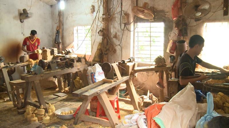 Làng tiện gỗ Nhị Khê
