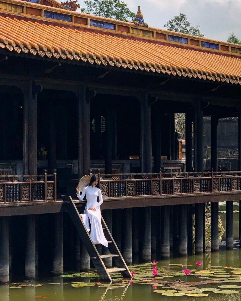 Lăng Tự Đức là một trong những công trình đẹp nhất của kiến trúc thời Nguyễn.