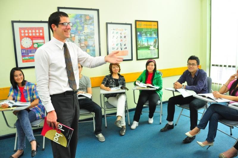 Language Link với giáo viên nước ngoài giảng dạy cho các học viên