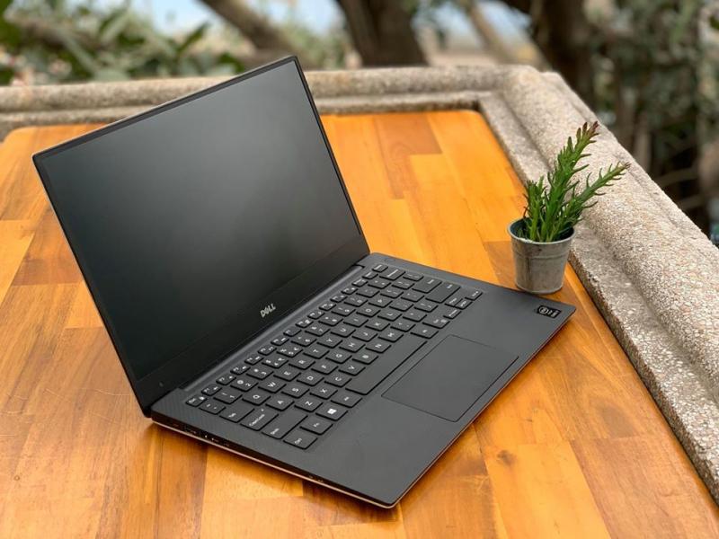 Laptop Triệu Gia