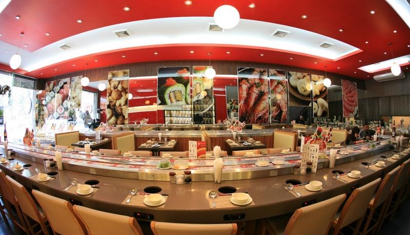 Nhà hàng nổi bật với lối thiết kế hiện đại, năng động