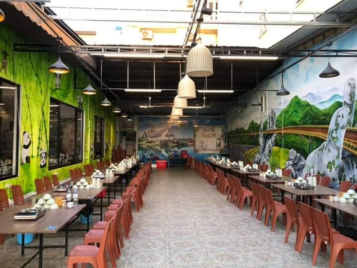 Không gian nhà hàng ấn tượng