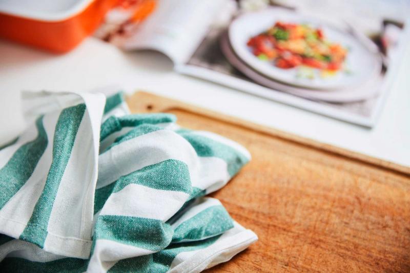 Hãy phân ra mỗi nơi bằng một chiếc khăn lau, miếng giẻ khác nhau để đảm bảo sạch